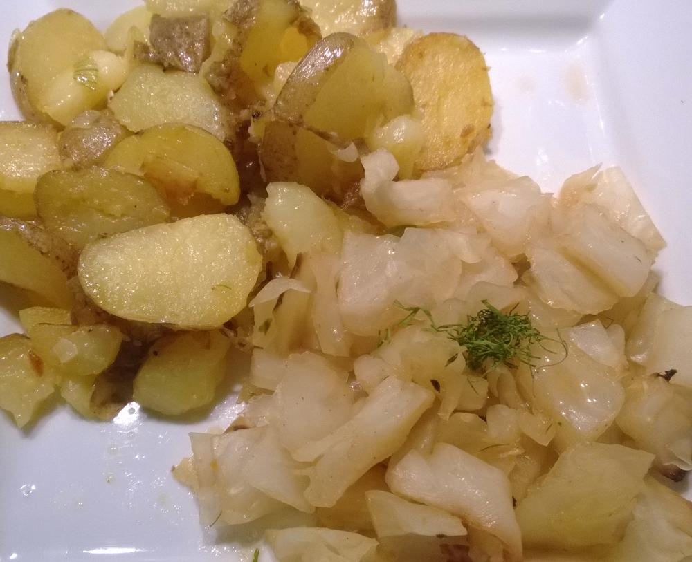 rezept gebackener wei kohl mit bratkartoffeln vegan. Black Bedroom Furniture Sets. Home Design Ideas