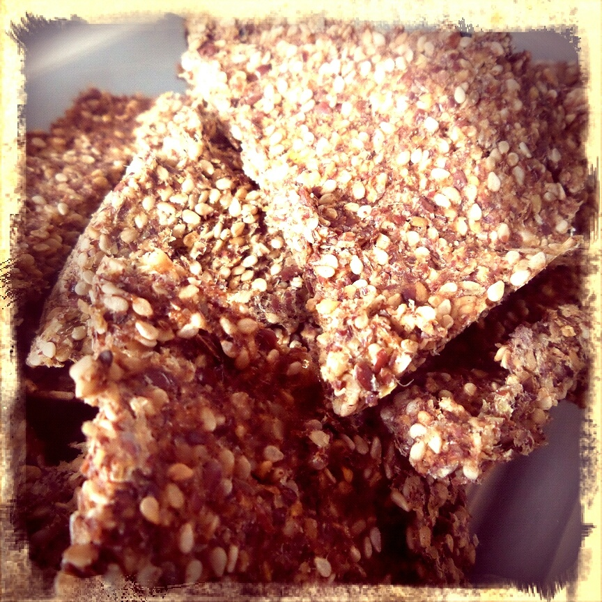rezept rohkost brot cracker lauch sesam vegan ohne soja. Black Bedroom Furniture Sets. Home Design Ideas